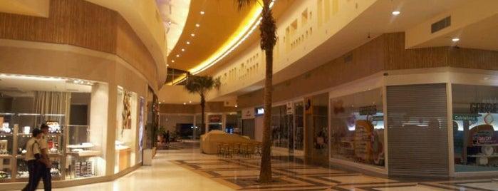 Norte Sul Plaza is one of Dicas do Tom.