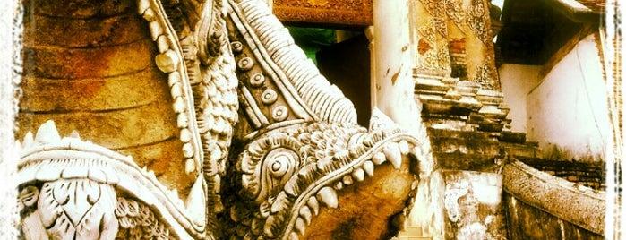 Wat Prathat Lampang Luang is one of ไหว้พระธาตุปีเกิด 12 ปีนักษัตร เสริมบารมี.