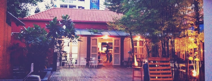 Artichoke Café + Bar is one of Best Cafes Great for Hangout.