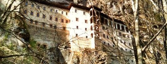 Sümela Manastırı is one of BORDO MAVİ MEKANLAR.