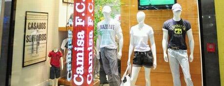 Camisa F.C. is one of Shopping Uberaba.