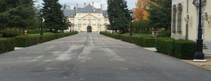 Palacio Real del Pardo is one of Conoce Madrid.