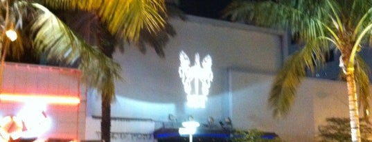 SET Nightclub is one of Best clubs in Miami.