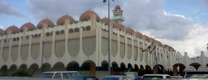Masjid Sultan Idris Syah II is one of Baitullah : Masjid & Surau.