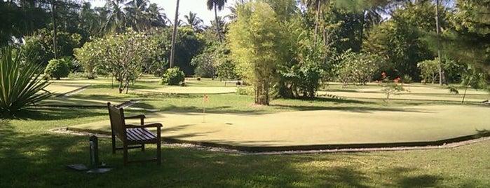 Golf Club is one of เที่ยวพักร้อนที่ Maldives.