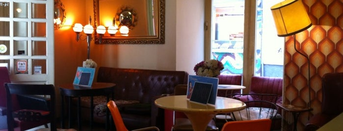 Lolina Vintage Café is one of Best Coffices in Madrid.
