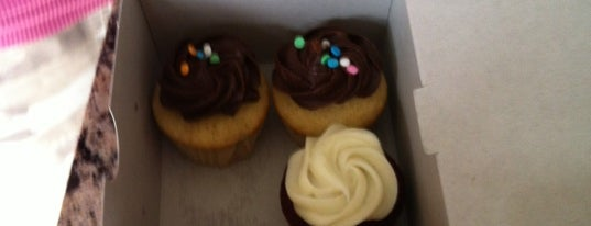 Cupid's Gourmet Cupcakes is one of Oakville/Burlington to-do, eat and visit.