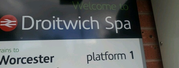 Droitwich Spa Railway Station (DTW) is one of Terminais!.