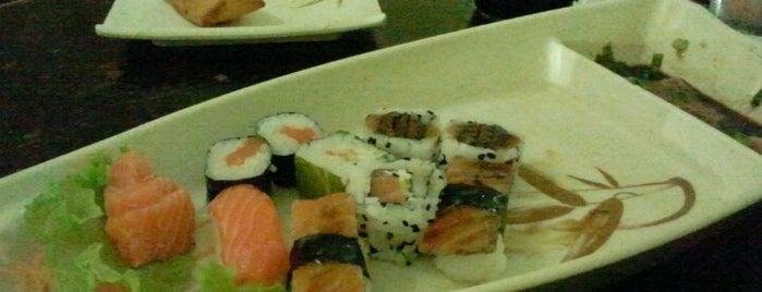 Baiaku Sushi is one of Em Santos.