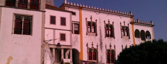 Palácio Nacional de Sintra is one of Passear a pé.