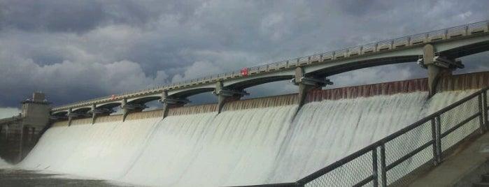 Hoover Dam is one of The Buckeye Bucket List.