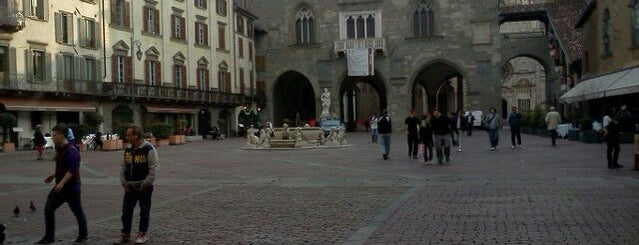 Piazza Vecchia is one of IT places-culture-history.