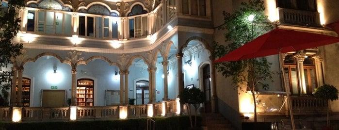 Universidad De La Comunicación is one of DF Todas.