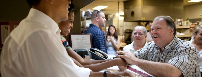 Anna's Italian Pizza is one of Eat as the Obamas.