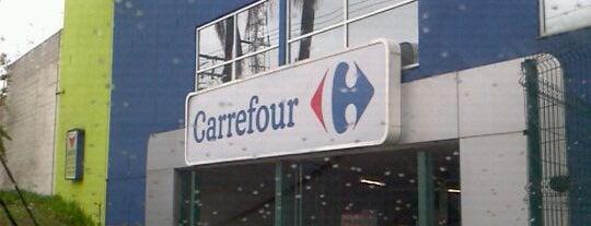 Carrefour is one of Farmácias/Hospitais.