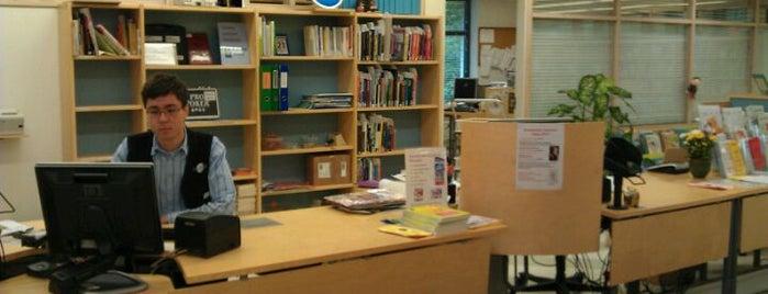 Kauklahden kirjasto is one of HelMet-kirjaston palvelupisteet.