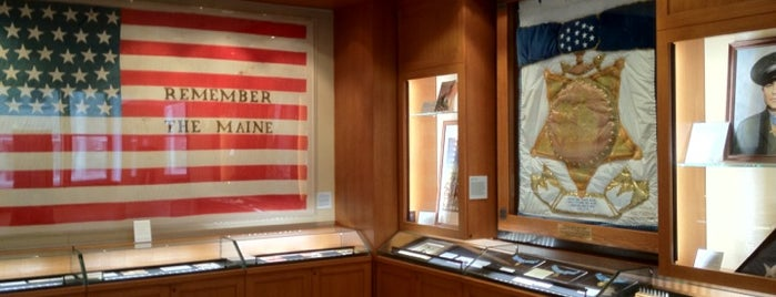 Pritzker Military Library is one of Culture in the Loop.