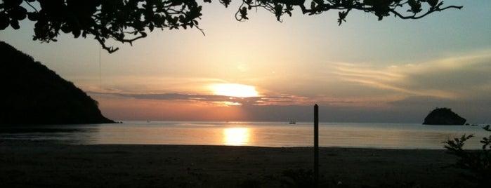 Sam Roi Yot Beach is one of Pranburi trip.