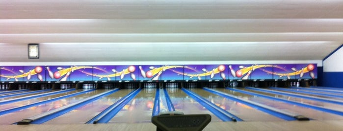 Du Bowl Lanes is one of Places I End Up Frequently.