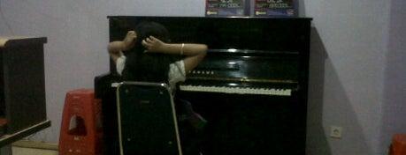 Petrof Piano House Depok DTC Maharaja is one of Favorite Arts & Entertainment.