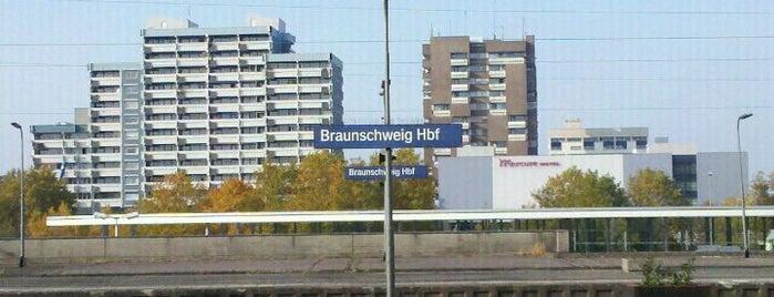 Braunschweig Hauptbahnhof is one of Bahnhöfe DB.