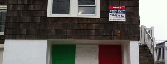 MTV Jersey Shore House is one of Take Me.