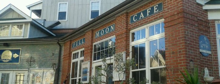 Lost Colony Brewery and Cafe is one of Drink!.