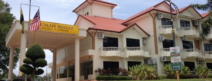 Rumah Rehat Kuala Kangsar (Kuala Kangsar Rest House) is one of Explorer @ Kuala Kangsar.