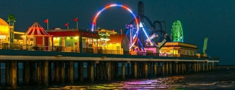 galveston island historic pleasure pier is one of the 15 best places for sunsets in galveston