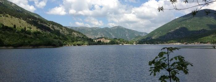 True Nature: lakes in Abruzzo