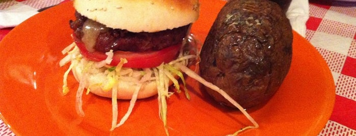 Majareta Franklin Burger & Cake is one of Comer (bien) en Jerez.