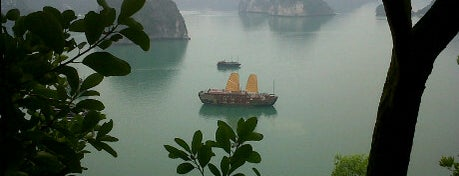 Vịnh Hạ Long (Ha Long Bay) is one of Places To See Before I Die.