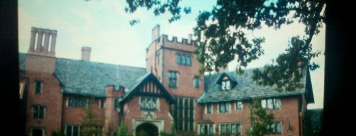 Stan Hywet Hall & Gardens is one of CLE Christmas.