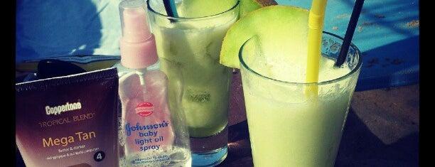 Santa Maria Beach Bar is one of Paros Top.