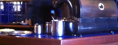 Paris Cafe Bar is one of 5 Mejores Cafés de Bolivia.