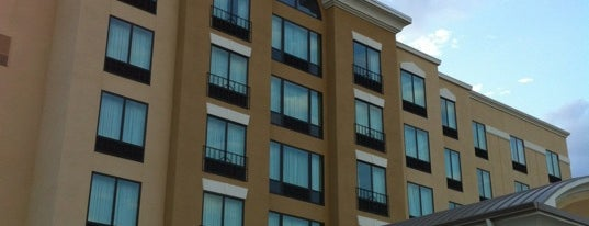 Holiday Inn Express & Suites Orlando - International Drive is one of Mis lugares más queridos !.
