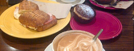 Stella Luna Gelato Cafe is one of No town like O-Town: Indie Coffee Shops.