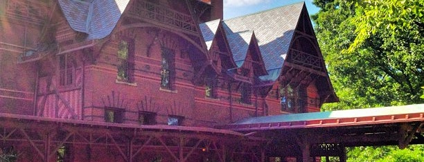 The Mark Twain House & Museum is one of National Museums.
