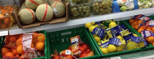 Minimarket Carrefour Express is one of PdV.
