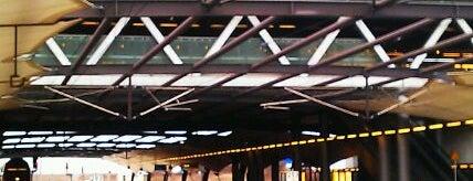 Bahnhof Flughafen Leipzig/Halle is one of DB ICE-Bahnhöfe.