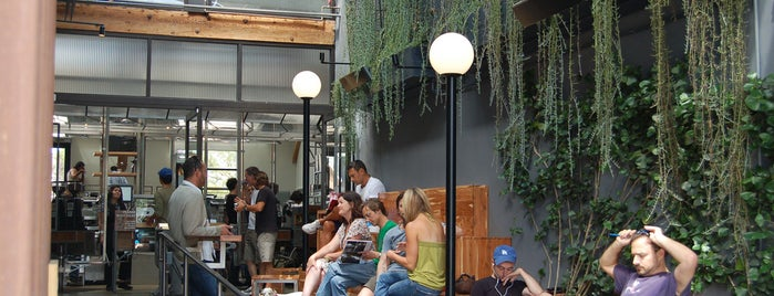 Intelligentsia Coffee & Tea is one of #ThirdWaveWichteln Coffee Places.