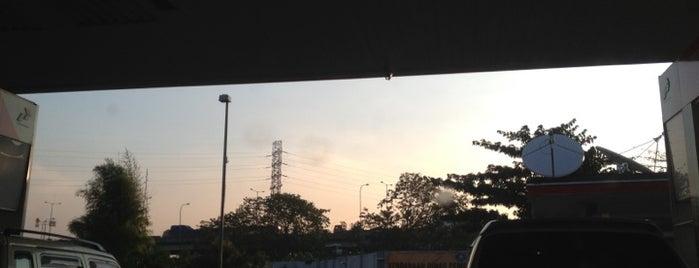 SPBU 34.13210 Perempatan Pemuda is one of Guide to Jakarta Timur's best spots.