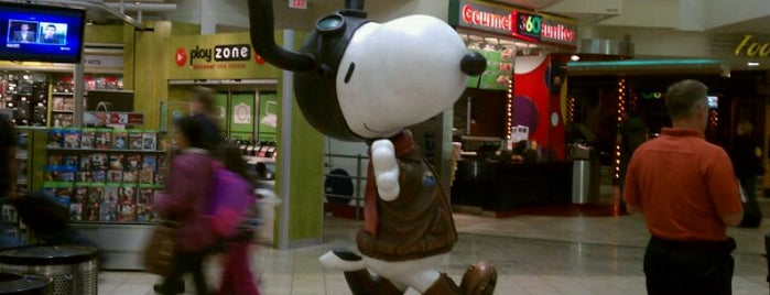 Snoopy Statue is one of Famous Statues Around the World.