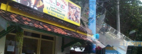 Bika Ambon ya Larizo is one of tempat ngemil favorite.