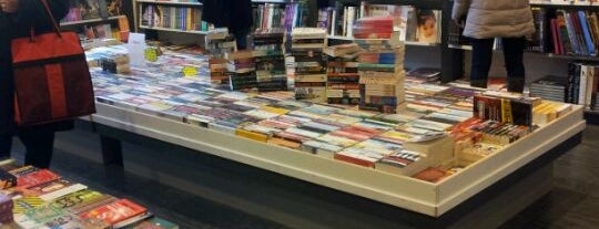 New English Bookstore is one of To Shop (Books).