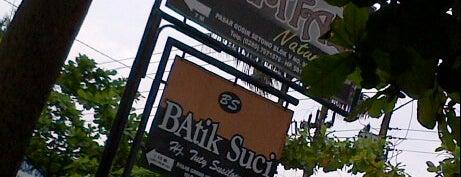 Pasar Grosir Batik Setono is one of Pekalongan World of Batik.