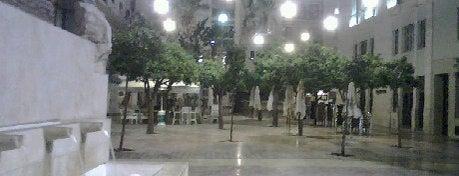 Plaza de las Flores is one of 101 cosas que ver en Málaga antes de morir.