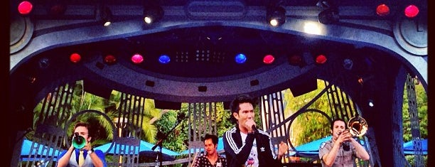 Tomorrowland Terrace is one of Disneyland Fun!!!.