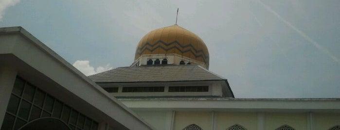 Masjid Al-Munawarah is one of Baitullah : Masjid & Surau.