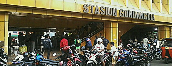 Stasiun Gondangdia is one of activity goes to campus.